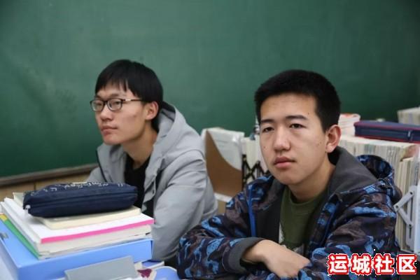 河南11选5遗漏号码中学2019届优秀毕业生代表回母校为高三学子宣讲6